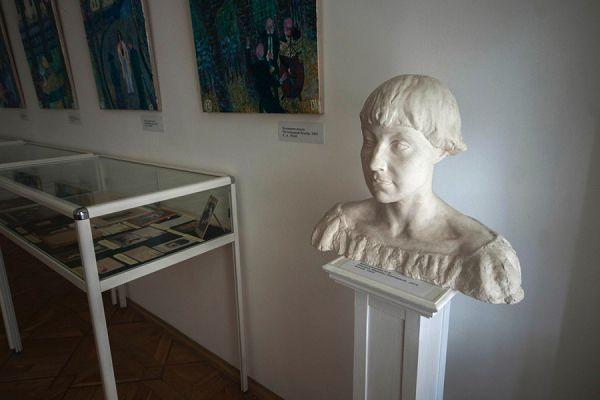 Бюст Марины Цветаевой в музее Цветаевой