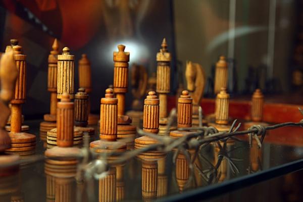 деревянные шахматы в музее шахмат