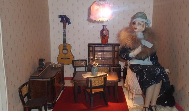 Кукла-дама в музее кукол в Москве
