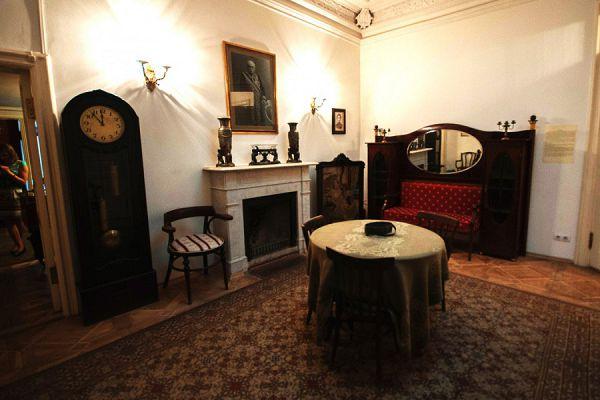 Гостинная в музее Цветаевой