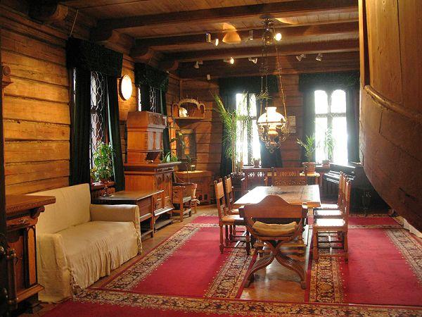 Вид столовой в музее Васнецова