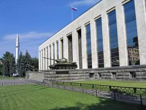 Здание музея Вооруженных сил в Москве