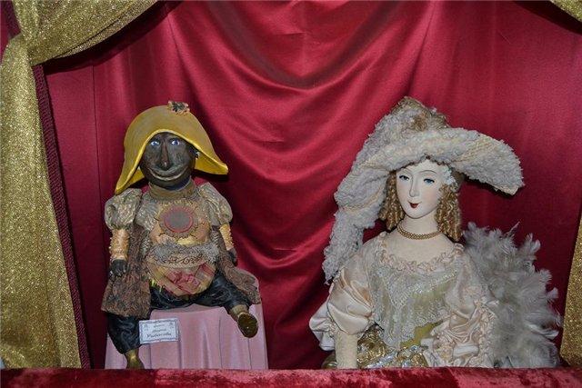 Фото из музея кукол
