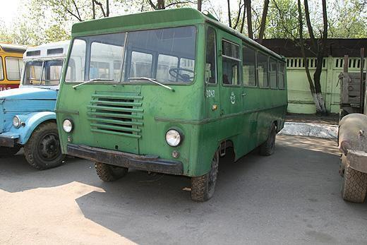 Уралец в музее ретро-автомобилей