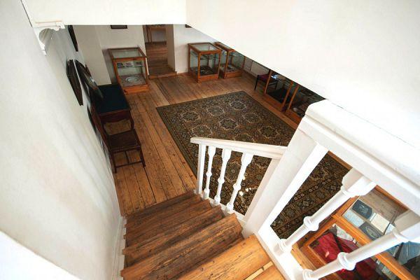 Вид лестницы в музее Цветаевой