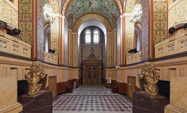 Парадный зал в историческом музее