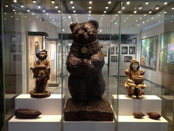 Шоколадный медведь в музее истории шоколада и какао
