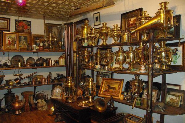 Коллекция самоваров в музее позабытых вещей
