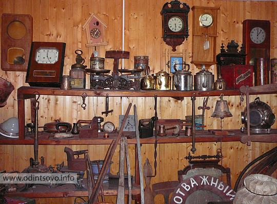 Старые утюги в музее позабытых вещей