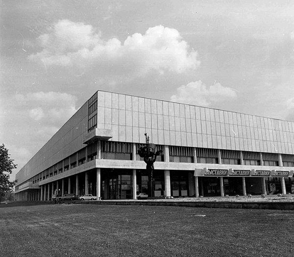 Построенное здание ЦДХ 1979 год