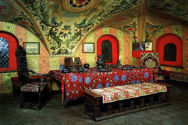 Трапезная в палатах бояр Романовых