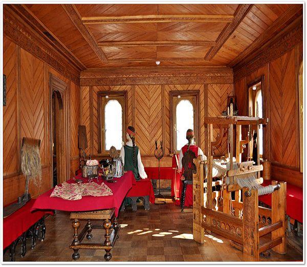 Ткачная в палатах бояр Романовых