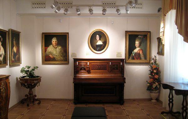 Пианино в музее Тропинина