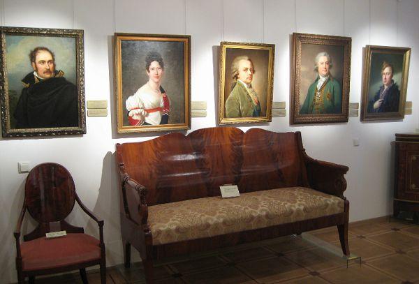 Галерея в музее Тропинина