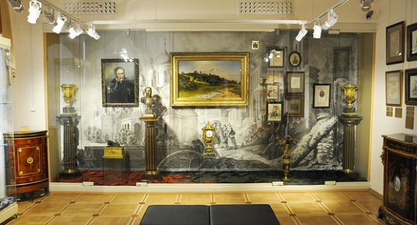 Экспонаты в музее Тропинина