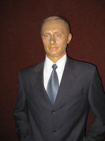 Фигура Путина в музее восковых фигур в Москве