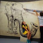 Рисующийся слон