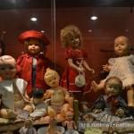 пластиковые куклы в музее кукол