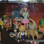 """Кукла """"юная девушка"""" в музее кукол в Мосвке"""