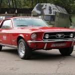 Ford Mustang в музее ретро-автомобилей