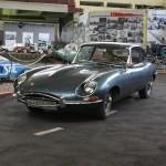 Jaguar в музее ретро-автомобилей
