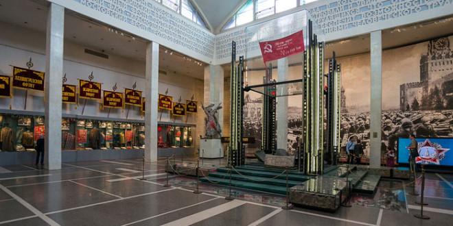 Знамя победы в музее военной техники города Москва