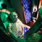 Муляж зомби в музее смерти