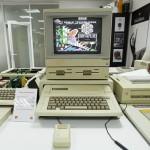 Компьютер древних времен в музее техники apple