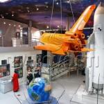 Самолёт в музее космонавтики на вднх