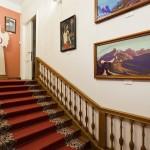 Лестница в музее Рериха