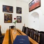 Стол в музее Рериха